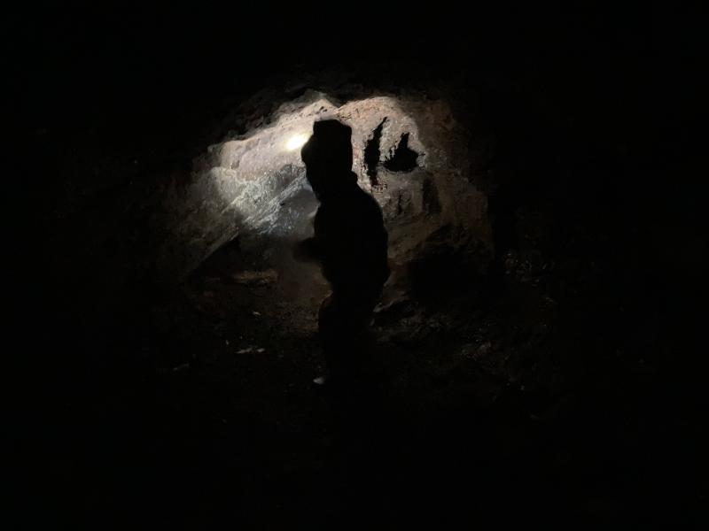 V podzemní chodbě