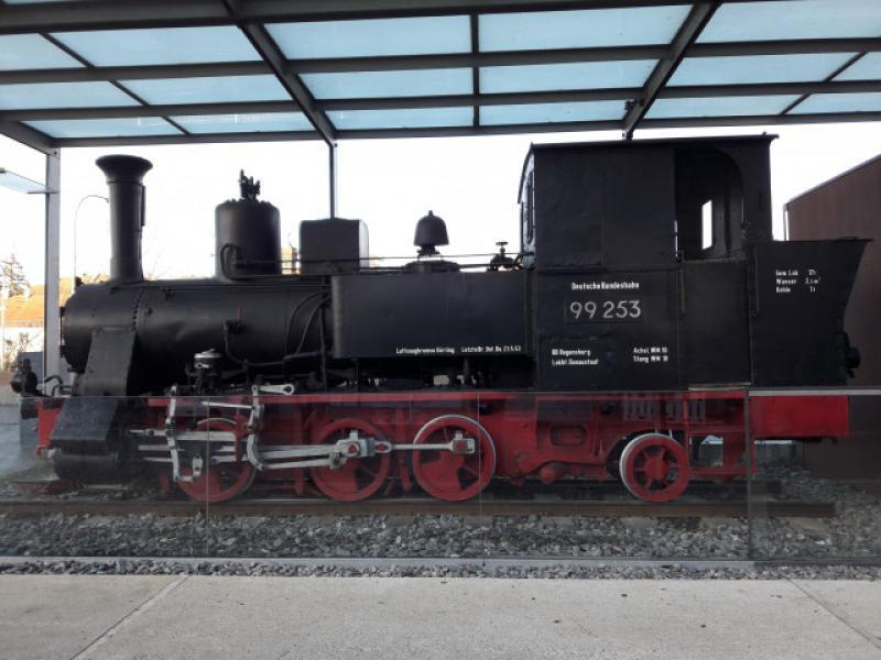 Lokomotiva 99 253 psala historii úzkorozchodné dráhy v Regensburgu