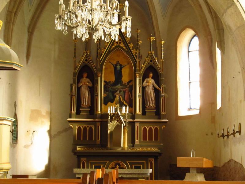 Interier kostela Nanebevzetí Panny Marie