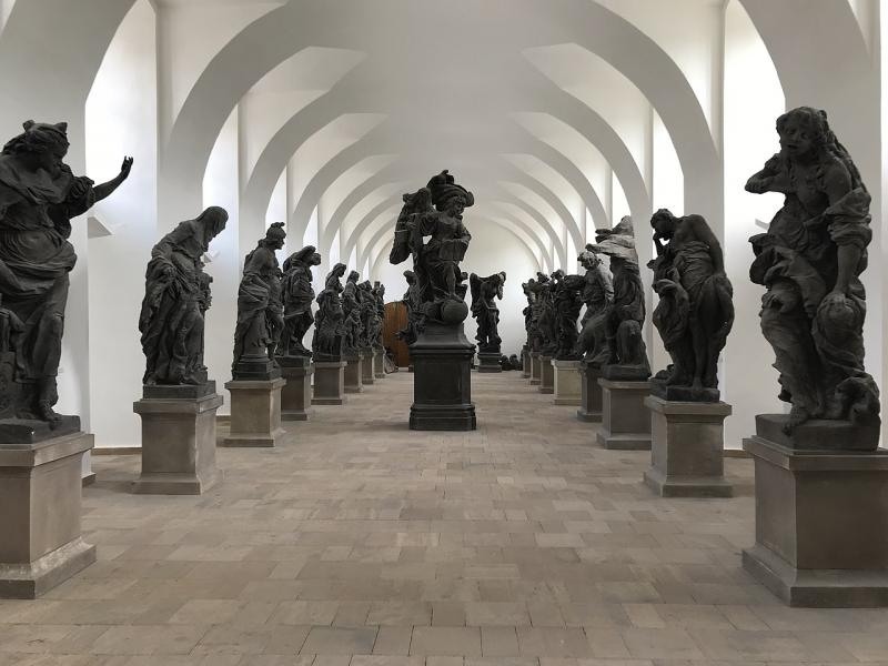 Pohled na vzácné originály soch Bernarda Brauna - Lapidárium Kuks