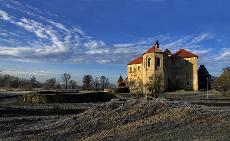 Švihov je nejmladším českým hradem. Postaven byl v roce 1611.