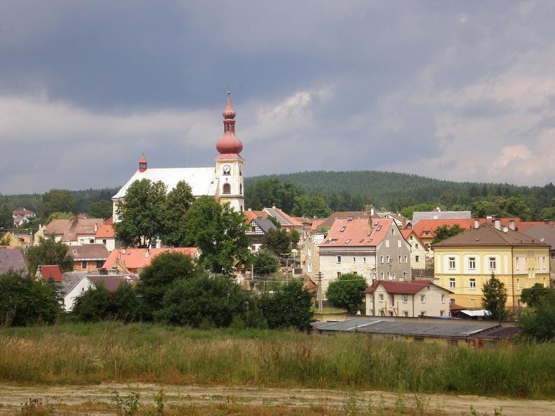 Městečko Skalná