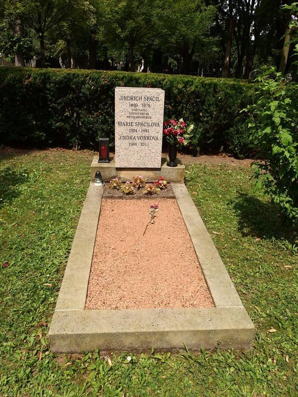 Místo odpočinku spisovatele Jindřicha Spáčila