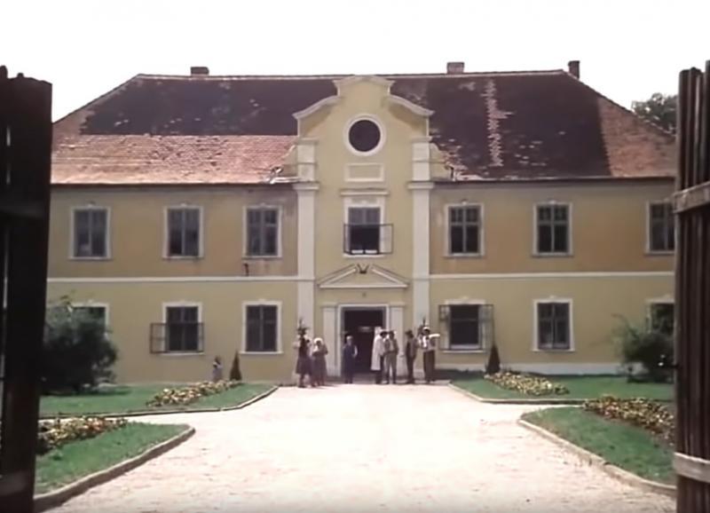 Zámek z filmu Slunce seno .... 1983