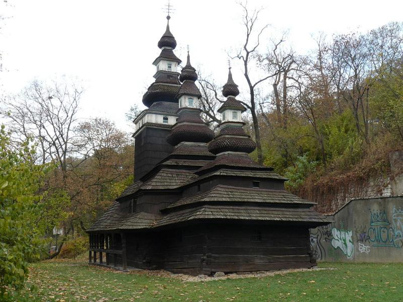 Kostelík sv. Michala v Kinského zahradách na Smíchově