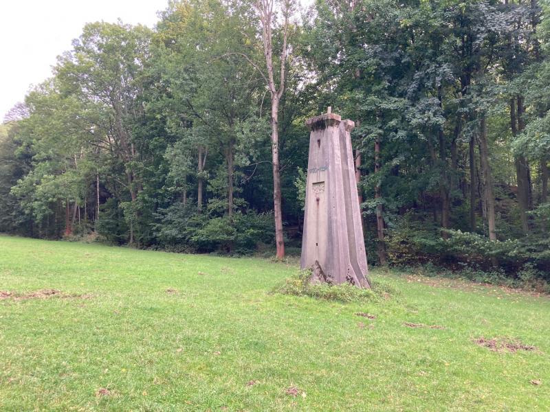 Pomník 1720-1884 pomník německého střeleckého spolku