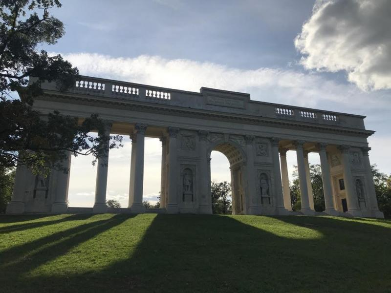 Závěrečný pohled na monumentální stavbu našich předků