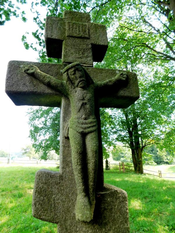 Ożenna - kříž na zaniklém vesnickém hřbitově